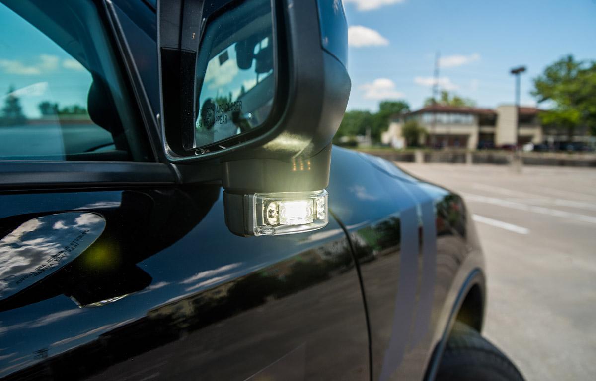 2019 dodge durango blackout pursuit package with mirror lights